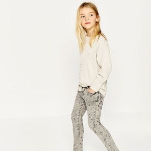 Zara girls gray jeans with paint stains